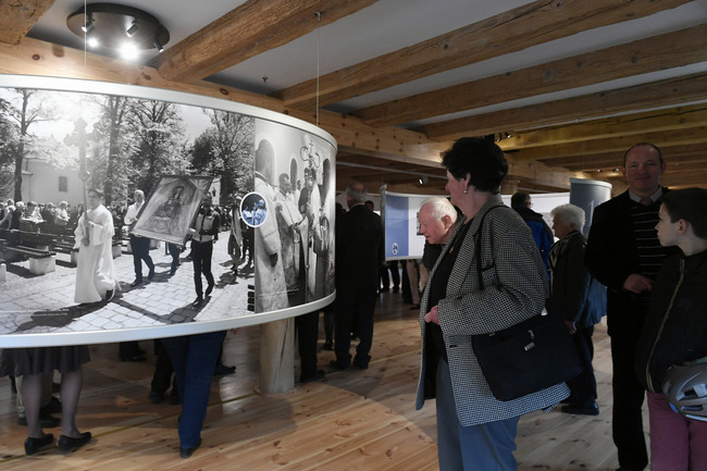 Budajenő Granary Exhibition pic